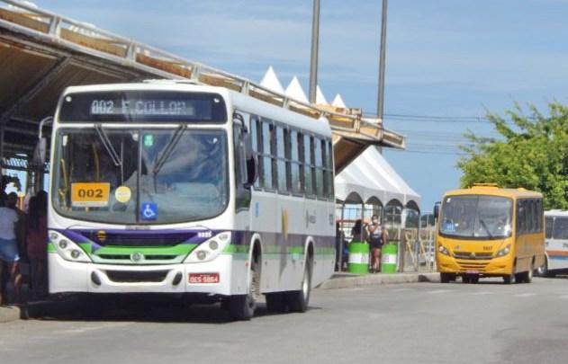 Aracaju: Serviço de transporte teve 243 veículos vandalizados. Ônibus circulam neste sábado