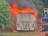 Vídeo: Ônibus rodoviário pega fogo em Terra Roxa nesta quarta-feira