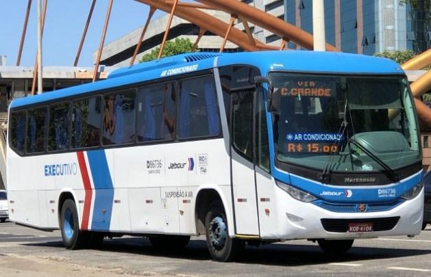 Rio: Passageiros de ônibus da Viação Jabour seguem viagem sem máscaras de proteção