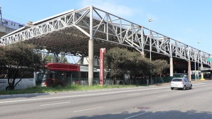 São Paulo: Terminal João Dias terá cobertura metálica na plataforma lateral externa