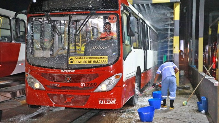 Prefeitura de Manaus intensifica fiscalização na higienização dos ônibus