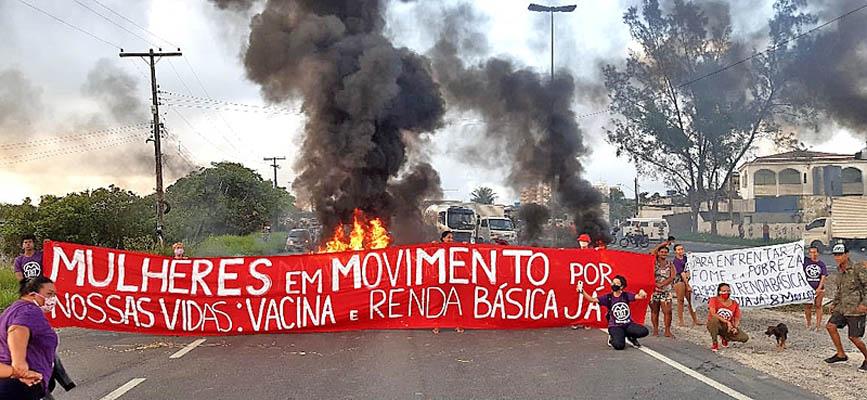 Vídeo: Manifestação na BR-101 complica a operação de ônibus no Terminal do Barro no Recife