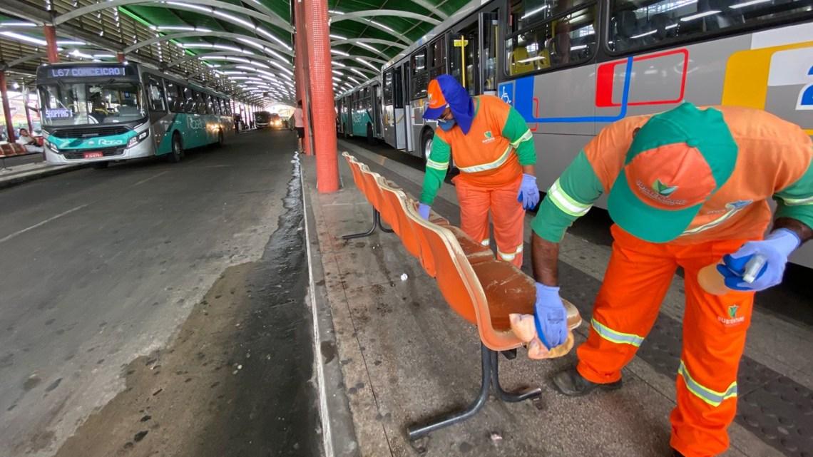 BA: Feira de Santana intensifica a higienização e desinfecção de ônibus e terminais da cidade