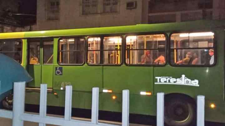 Teresina: Bandidos realiza arrastão em ônibus na noite desta última sexta-feira