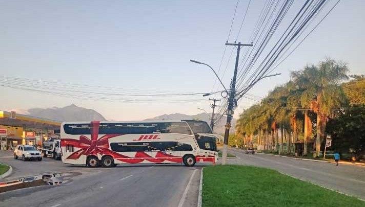 RJ: Paraty segue impedindo a entrada de ônibus de turismo na cidade por conta da Covid-19