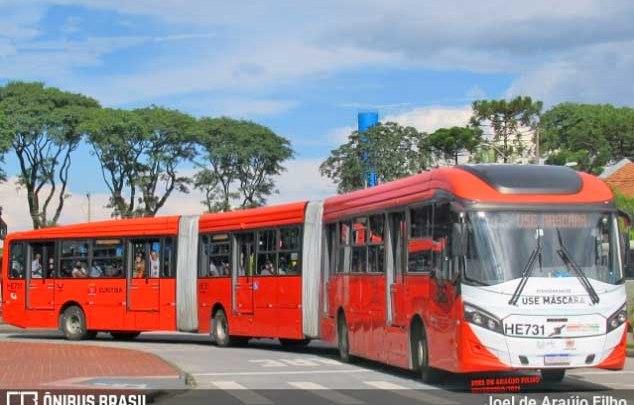 Curitiba: Com bandeira vermelha, movimento nos ônibus cai 21% no primeiro dia útil