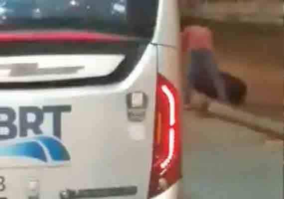 Vídeo: Ônibus do BRT Rio solta roda no corredor Transcarioca