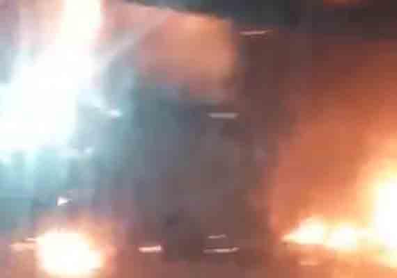 Vídeo: Estação Guaporé do BRT Rio é destruída pelo fogo nesta madrugada
