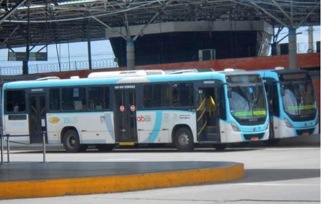 Fortaleza reforça higienização contra o novo coronavírus nos sete terminais de ônibus