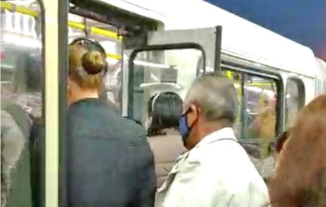 Vídeo: Grande Curitiba registra ônibus lotados durante a pandemia da Covid-19