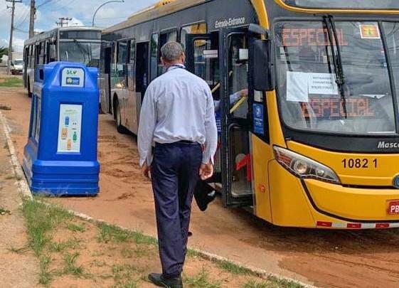 DF: Ônibus garante refeição para clientes de Restaurante Comunitário