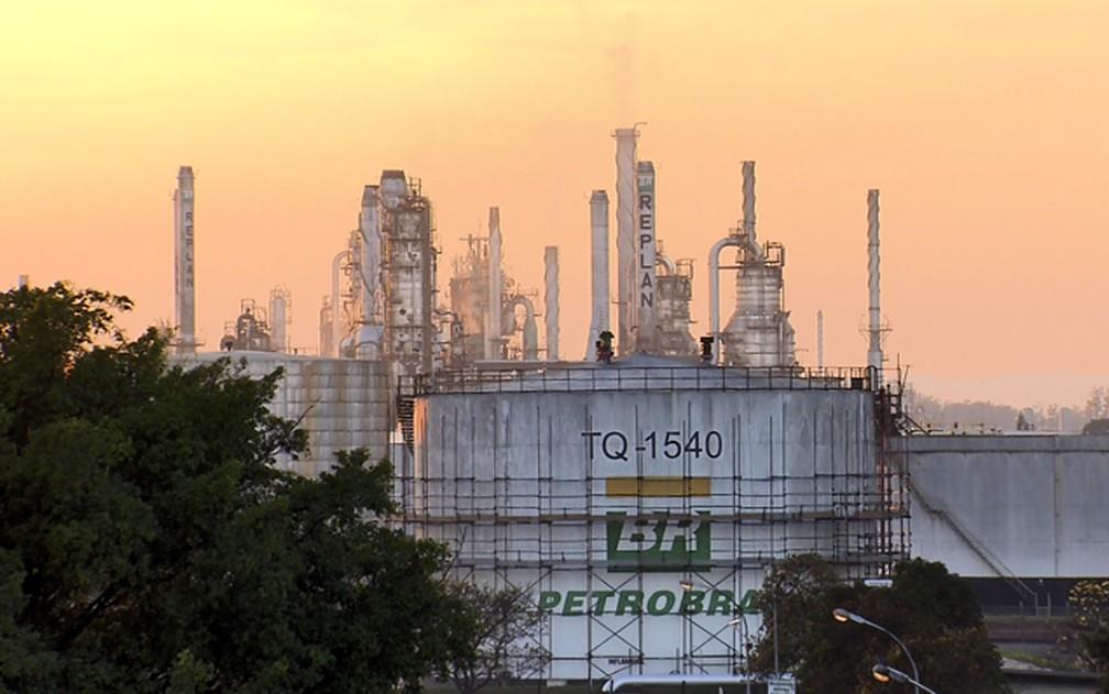 Gasolina e diesel estão mais baratos nas refinarias a partir de hoje, diz Petrobras