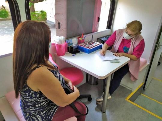 SP: Sorocaba informa que ônibus Rosa e Azul estarão na Policlínica Municipal e no Parque São Bento