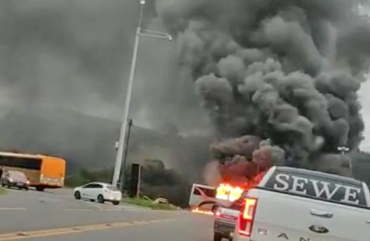 Vídeo: Acidente entre carro, caminhão e ônibus na PR-423 chama a atenção em Campo Largo