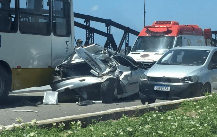 Natal: Acidente entre ônibus e carro deixa tráfego lento na Ponte de Igapó