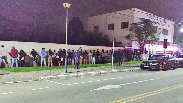 PR: Rave clandestina termina com ônibus cheio de jovens apreendidos em Quatro Barras