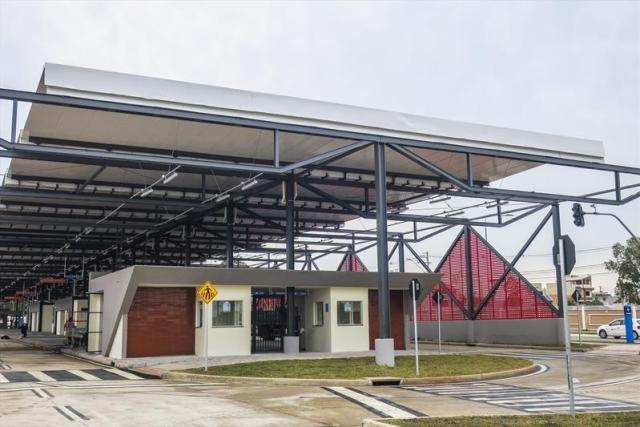 Curitiba: Linhas de ônibus começam a operar no novo Terminal Tatuquara - revistadoonibus