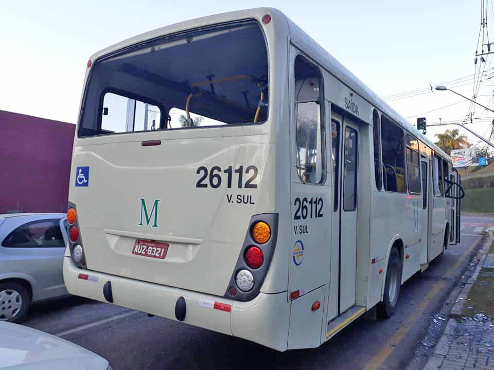 Vídeo: Ônibus da Viação Sul são alvos de tiros e vandalismo na região metropolitana de Curitiba