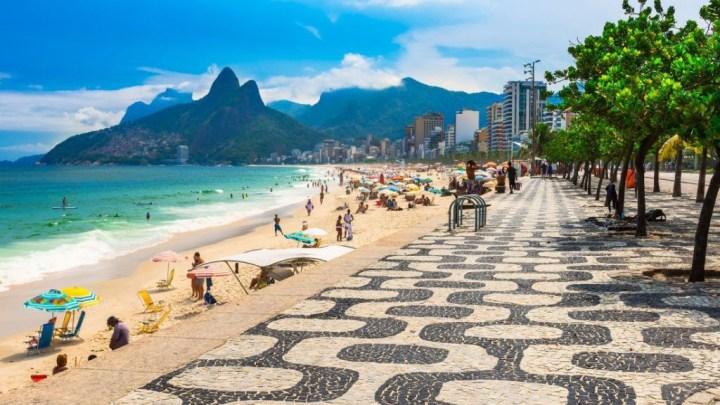 Prefeitura do Rio suspende toque de recolher, libera praias e mantém restrição para ônibus de turismo