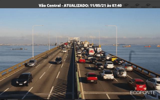 Acidente na Ponte Rio x Niterói complica o fluxo sentido Rio - revistadoonibus