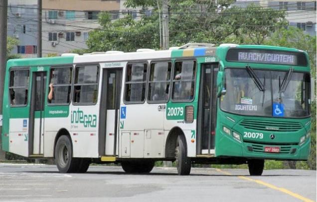 Dois ônibus são assaltados na manhã desta quarta-feira em Salvador