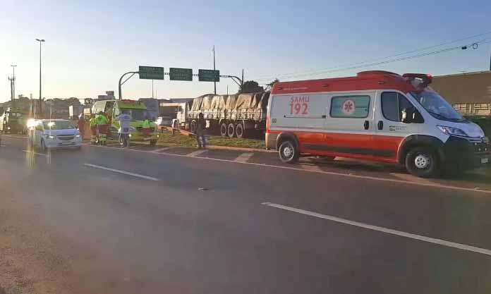 PR: Acidente entre dois ônibus e dois carros deixa seis feridos em Cascavel