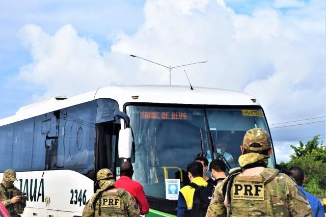 Salvador: PRF intensifica fiscalização para conter assalto a ônibus na Região Metropolitana - revistadoonibus