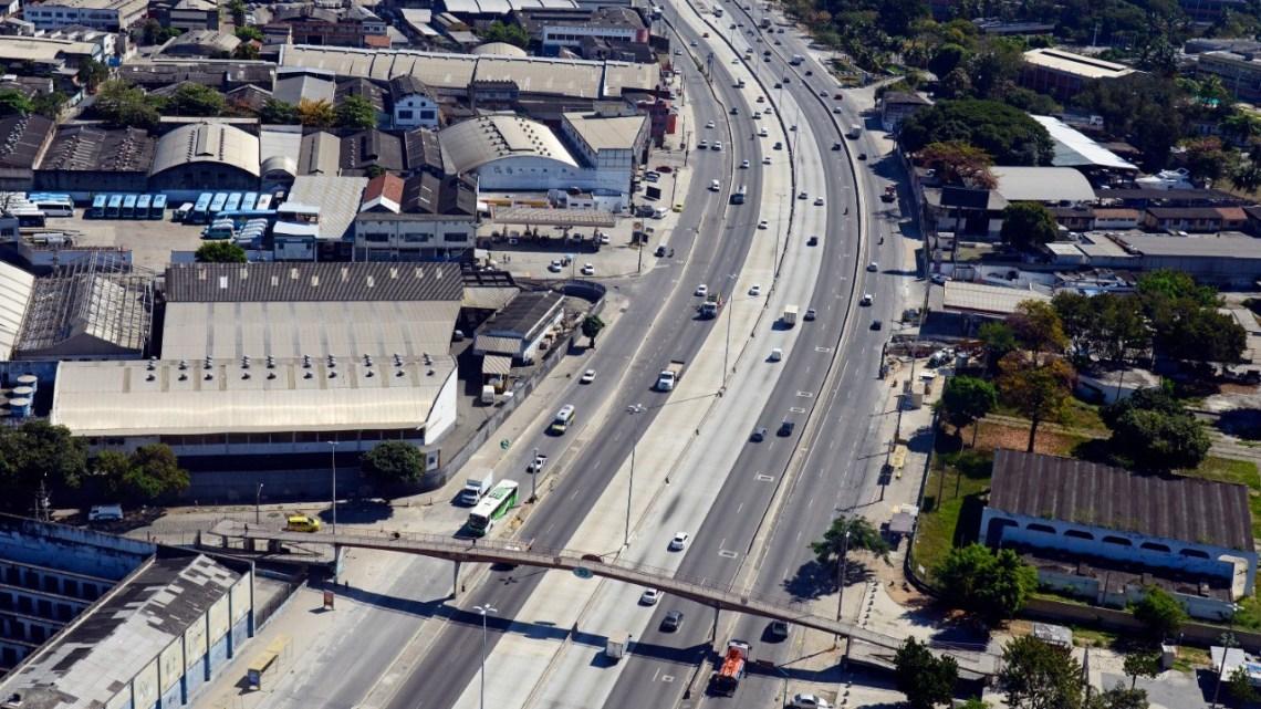 Prefeitura do Rio anuncia interdições na Avenida Brasil devido às obras do Viaduto Via Portuária
