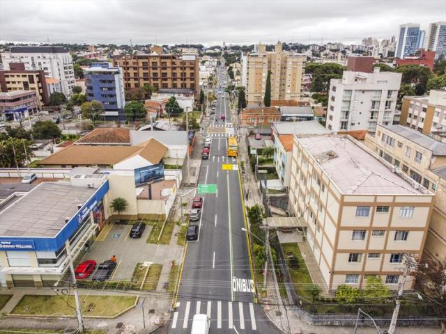 Curitiba: Motorista flagrado na faixa exclusiva para ônibus poderá ser multado - revistadoonibus