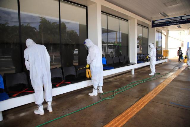 SP: Exército realiza a desinfecção das plataformas de ônibus em Ribeirão Preto - revistadoonibus