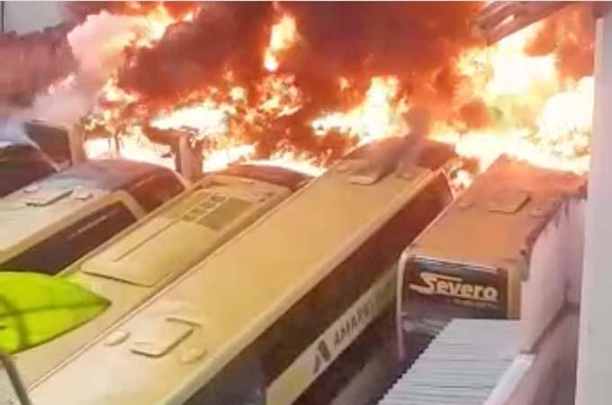 Vídeo: Incêndio na garagem da Severo Turismo destrói dez ônibus em BH