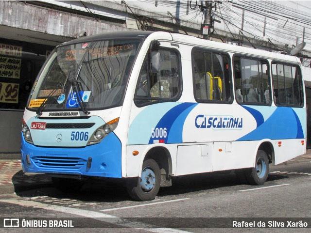 RJ: Micro-Ônibus da Viação Cascatinha circula com a traseira solta em Petrópolis - revistadoonibus