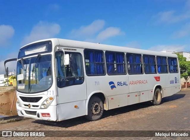 AL: Acidente entre carro e ônibus deixou o trânsito lento no centro de Arapiraca - revistadoonibus