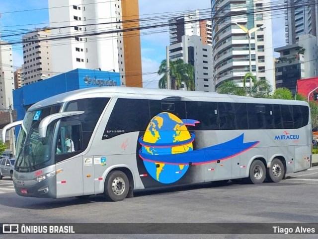 PI: Delegação do 4 de Julho é recebida com festa na chegada do ônibus em Piripiri - revistadoonibus