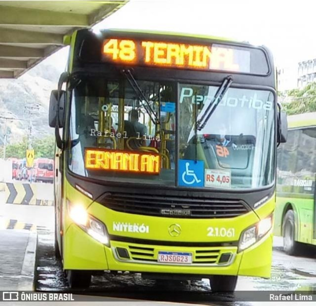 RJ: Ônibus da Viação Pendotiba circula lotado neste feriado em Niterói - revistadoonibus
