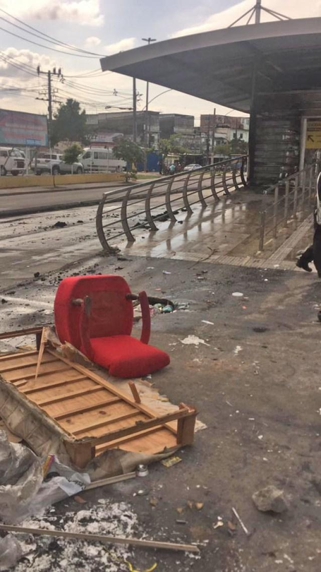 Rio: Incêndio atinge estrutura da estação Vila Sapê no corredor Transcarioca - revistadoonibus