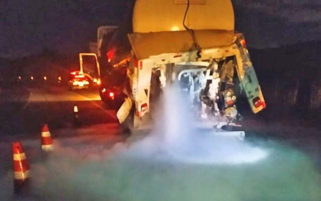 MG: Acidente entre ônibus e caminhão deixa três feridos em Juiz de Fora - revistadoonibus