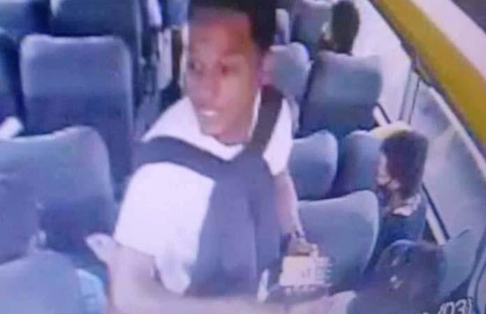 Rio: Imagem de bandido que assaltou ônibus da Tinguá viraliza na internet
