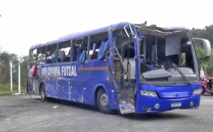 PR: Polícia Civil abre inquérito para apurar acidente com ônibus na BR-376