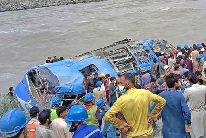 Paquistão afirma que explosão em ônibus que deixou 12 mortos foi acidente