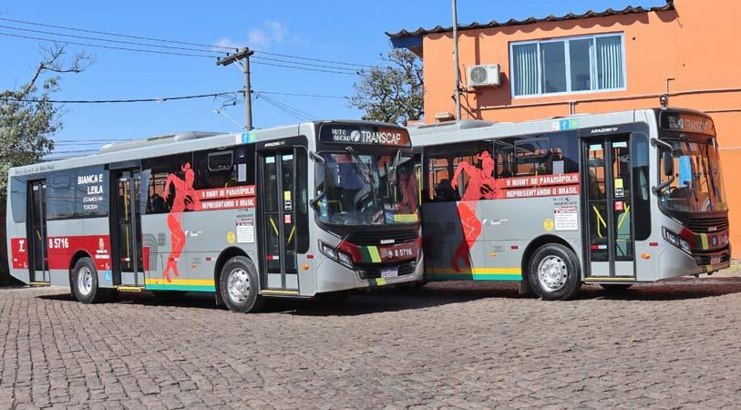 São Paulo adesiva ônibus em homenagem a atletas olímpicas moradoras de Paraisópolis
