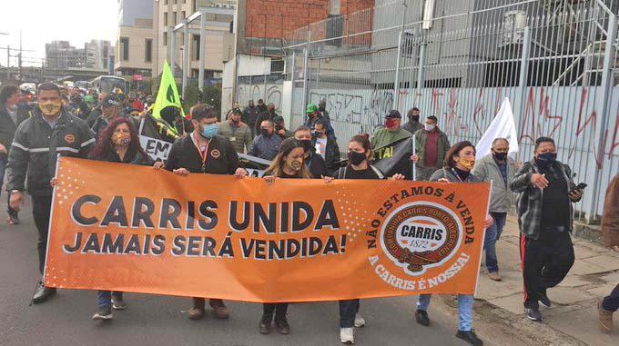 Vídeo: Rodoviários de Porto Alegre realizam protesto nesta manhã