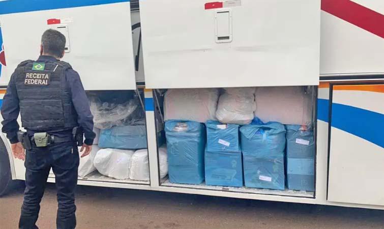 Foz do Iguaçu: Receita Federal e BPFron apreendem três ônibus com mercadorias contrabandeadas
