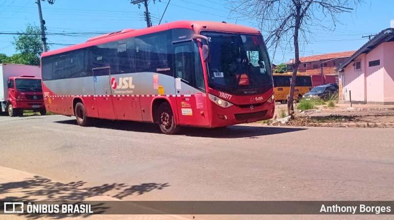 PA: Mototaxistas fecham a entrada da garagem de ônibus da JSL em Parauapebas