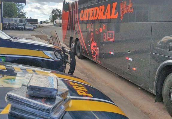 BA: PRF apreende passageira de ônibus com entorpecentes na Chapada Diamantina