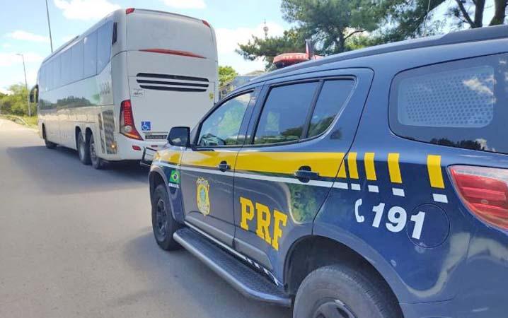 RS: Passageira é presa por furtar telefone de motorista na BR-386, em Lajeado