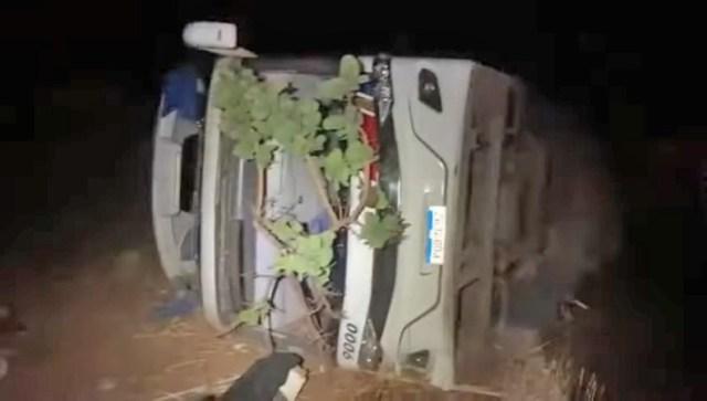 MG: Ônibus rodoviário tomba na BR-146 e deixa vários feridos - revistadoonibus