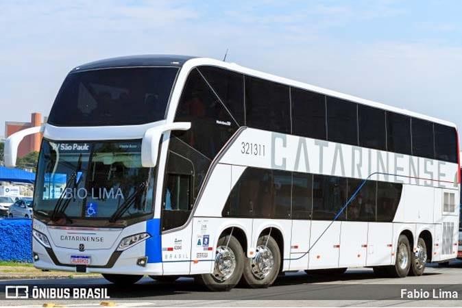 Vídeo: Conheça detalhes do novo Busscar Vissta Buss DD de 68 lugares da Catarinense