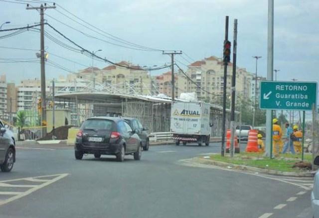 Rio: Acidente entre ônibus e moto deixa dois mortos na Avenida das Américas - revistadoonibus