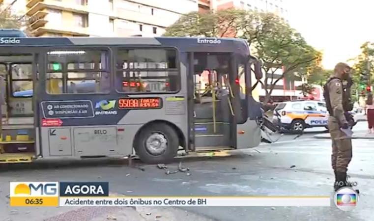 Belo Horizonte: Colisão entre ônibus deixou dois feridos nesta manhã
